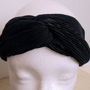 Women Accordion Style Black Headband